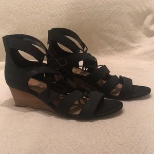 Ugg black wedges 9